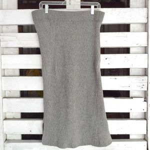 Madewell. Knitted, wooly sweater knit midi skirt